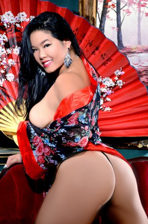 Elika escort in Knightdale North Carolina