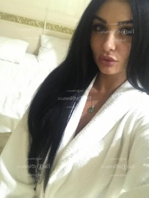 Tahicia latina call girl in Camden
