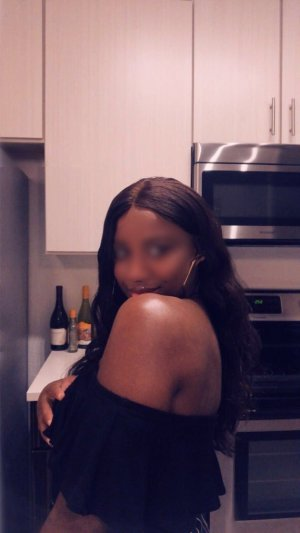 Nadjah escort in Affton